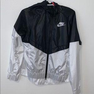 Nike white and black windbreaker
